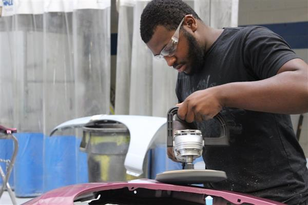 DCTS Automotive Technologies student at work.